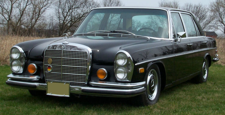 1972 mercedes 300 front